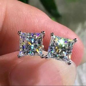 2.50 ctw Princess Cut Diamond Stud Earrings